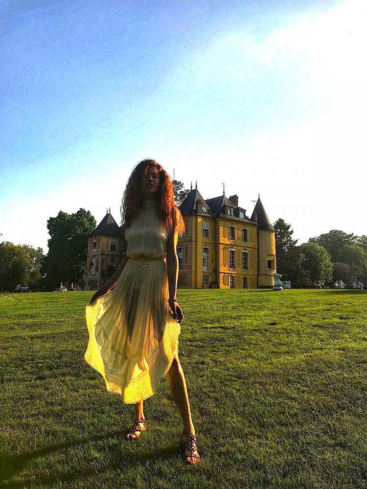 Grazzia fait son shooting au château de Vaugrigneuse pour son numéro d'été 2018