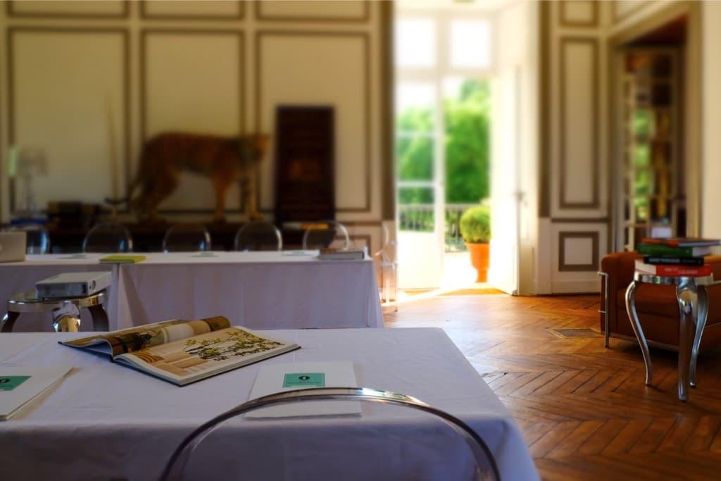 Château de Vaugrigneuse : le grand salon - location pour évènements, séminaires ou réceptions