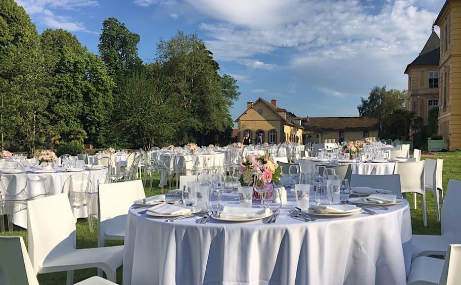 Château de Vaugrigneuse - Banquet sur les pelouses de l'étang