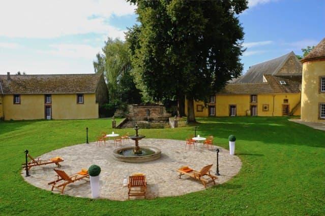 Château de Vaugrigneuse : la cour d'honneur - location pour évènements, séminaires et réceptions